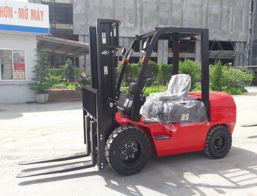 Xe nâng dầu 3.5 tấn